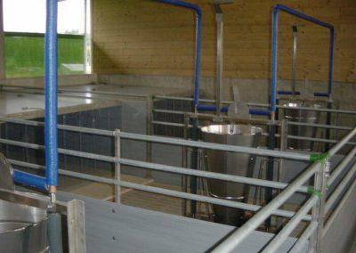 Futterautomat mit isolierter Wasserleitung